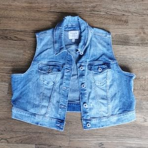 Torrid Crop Denim Vest Distressed Medium Wash 1X